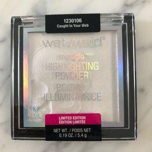 ⚡️SOLD⚡️ Wet n' wild highlighting powder